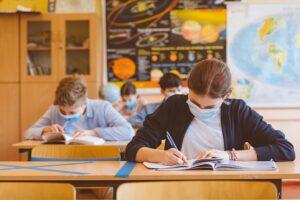 Italia redeschide școlile și introduce testele de salivă pentru elevi