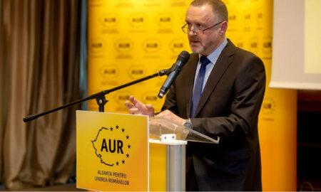 """El este noul parlamentar al României. """"Nu sunt un admirator al femeilor. Vopsirea unghiilor la picioare, o stupiditate crasă. Cine vrea filosofie nu o va găsi în capul femeii"""""""