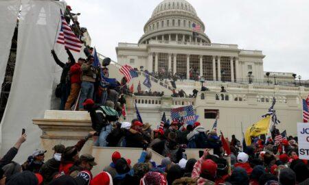 Comisii ale Congresului SUA și FBI au demarat anchete după protestele violente de la Washington. Zeci de persoane au fost reținute
