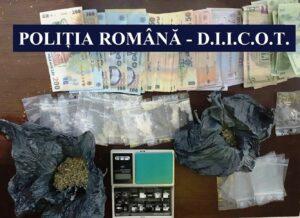 Traficanți de droguri reținuți de DIICOT. Valută, arme și droguri