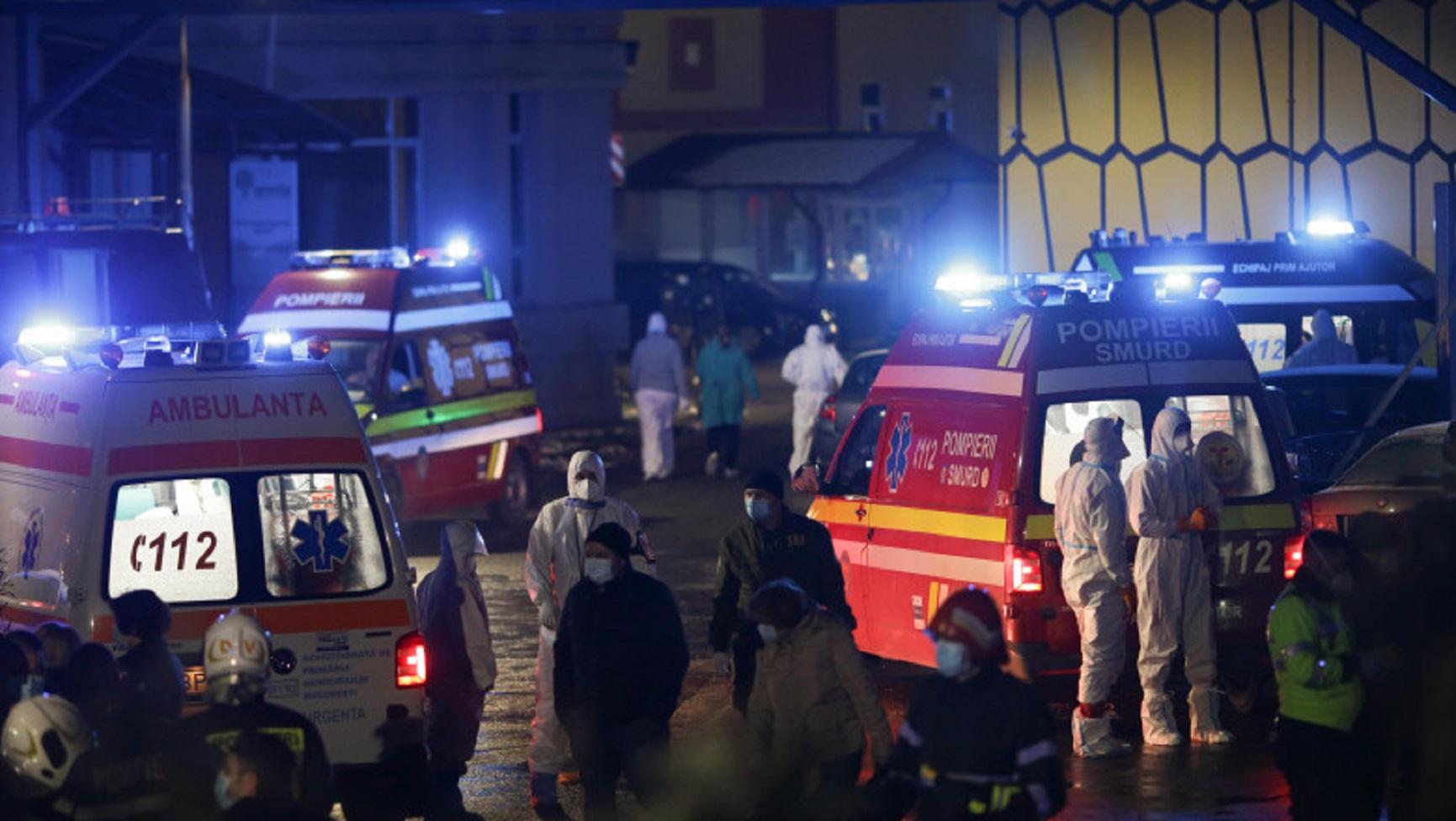 """Alertă de incendiu la """"Marius Nasta"""". O degajare de fum a cuprins unitatea mobilă ATI"""
