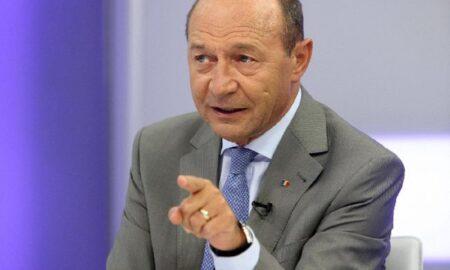 Traian Băsescu, despre vaccinul AstraZeneca: Acest vaccin trebuie distrus propagandistic