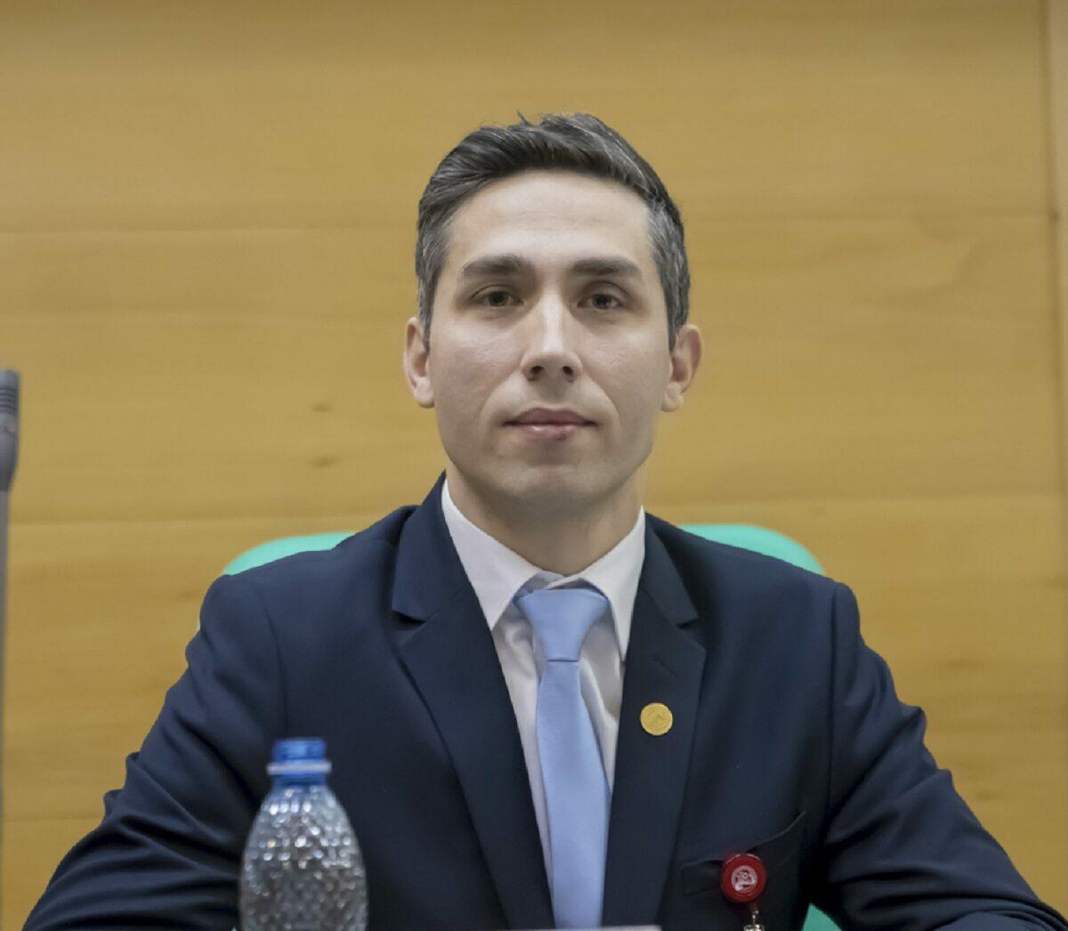 """Valeriu Gheorghiță, despre adeverința de vacinare: """"Se notează, practic, lotul vaccinului, tipul vaccinului şi data expirării"""""""