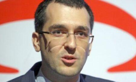 """Vlad Voiculescu ar prefera ca autoritățile să emită un certificat electronic de vaccinare: """"Dacă vreți să-i spuneți pașaport..."""""""