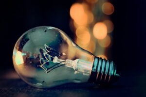 Atenție! Care este ultimul termen pentru preschimbarea contractelor la energie electrică