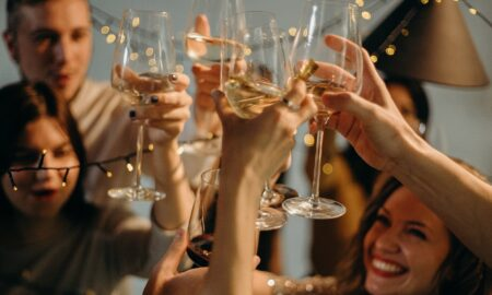 2020, anul în care românii au consumat vinul acasă. Cum să alegi vinul perfect!