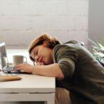 Cum să dormi bine, fără pastile! Obiceiuri banale care te scapă de INSOMNIE