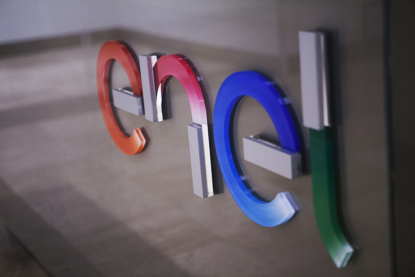 """Enel, Schneider Electric și Forumul Economic Mondial raportul """"Orașe cu zero emisii nete de carbon: O abordare integrată"""""""