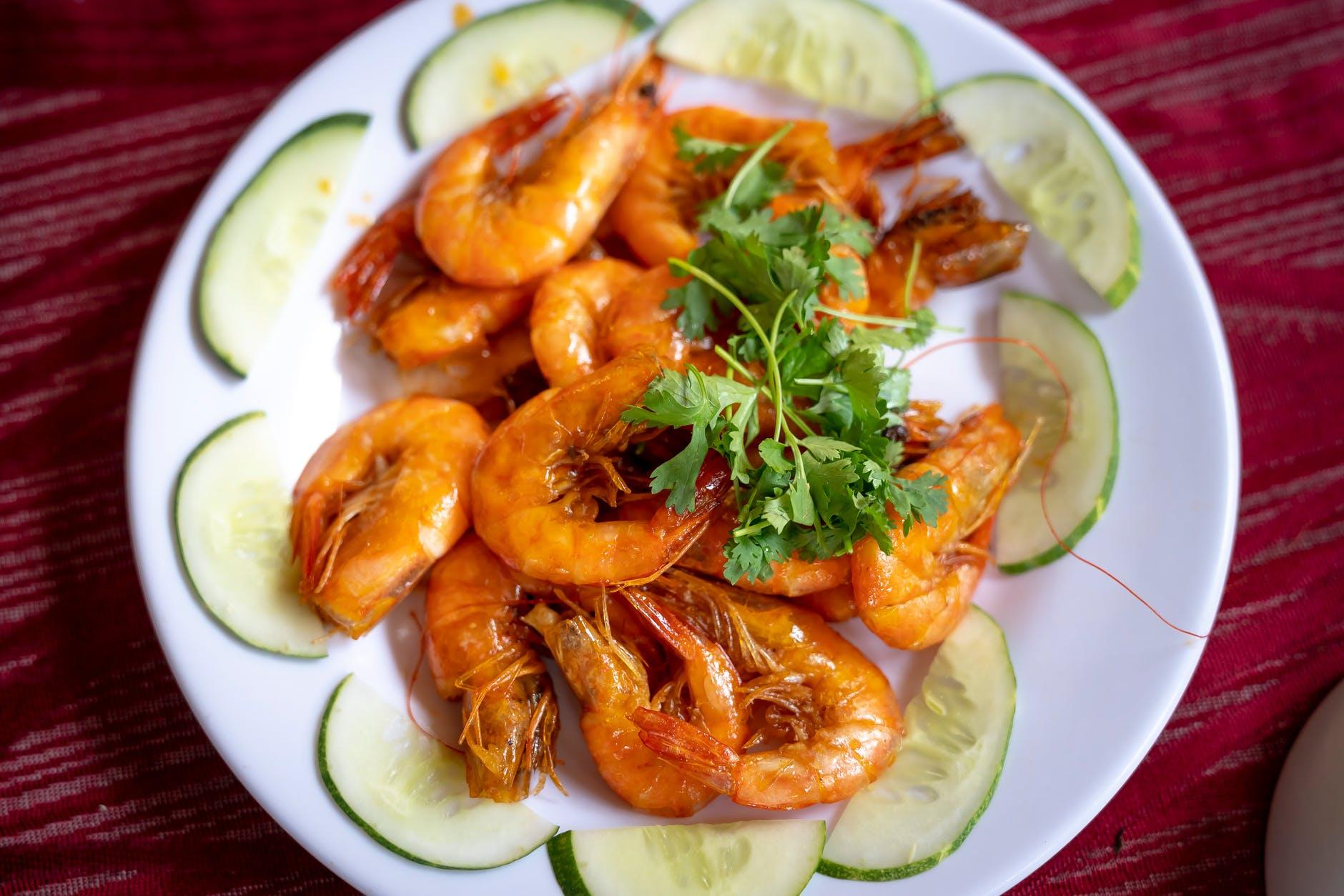 Creveți delicioși, cu usturoi și lămâie! Rețetă gustoasă, ideală pentru zilele de weekend