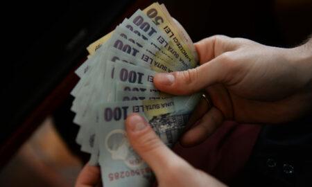 Scad salariile bugetarilor în 2021? Premierul României are răspunsul