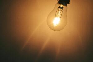 Noi amânări la contractele de energie electrică. Prevederile noului ordin al ANRE