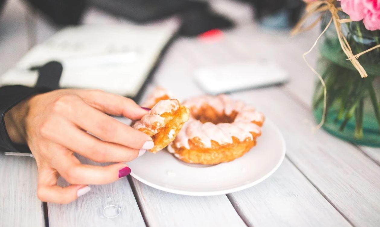 Ce se întâmplă în corpul tău dacă nu mai consumi nimic dulce.  Este recomandat să vă controlați aportul de zahăr