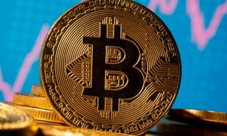 Decizia Chinei a dus la scaderea pietei de criptomondede. Bitcoin scade cu 10%