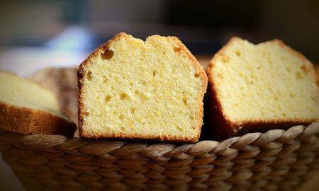 Rețetă chec: Cum prepari un chec pufos simplu sau cu lămâie