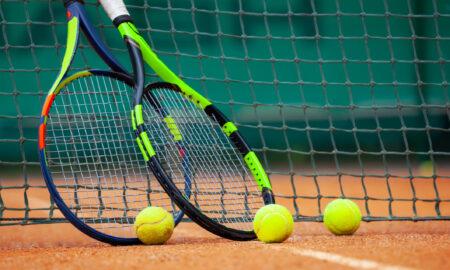 Alertă maximă la Australian Open. Sute de oficiali și jucători intră în izolare. Care este soarta turneului