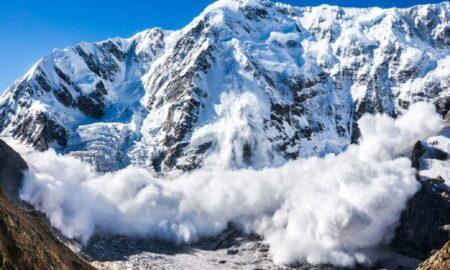 Este pericol de avalanșă! Semnalul tras de salvamontiști