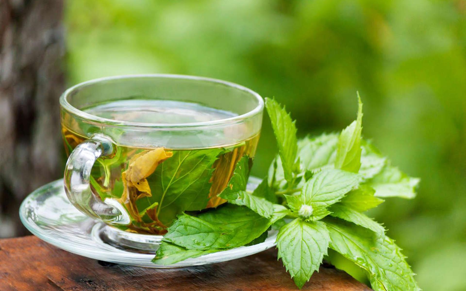 3 ceaiuri pentru eliminarea gazelor intestinale. Reduc balonarea și durerea!
