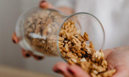 Ce se întâmplă dacă mănânci câteva nuci zilnic! Efectele asupra organismului