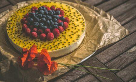 Tort miraculos, cu brânză dulce. Rețeta celui mai delicios desert care nu îngrașă