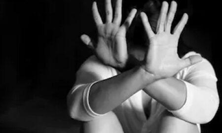 O victimă a actorului acuzat de viol face mărturisiri: Mama venea cu bâta ca să-și ia copilul de la muncă