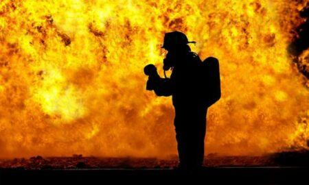 Incendiu uriaș la Suceava. Palatul Administrativ este în flăcări