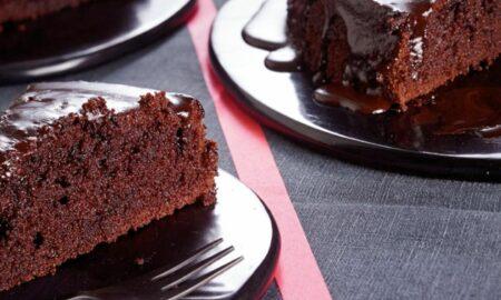 Prăjitura cu ciocolată gata cât ai bate din palme. E atât de bună, că te va cuceri de la prima bucățică