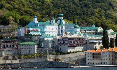Călugării români de la Muntele Athos au nevoie de ajutor. Apelul lui Christian Ciocan