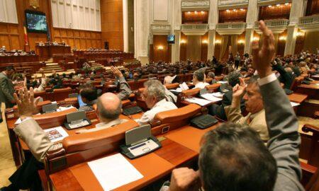 Legea așteptată de toți românii a fost votată. Cât este punctual de pensie în 2021. Raluca Turcan vine cu cifrele finale