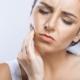 Remedii naturiste pentru durerea de dinţi. Ce poti face ca sa scapi de problema care îți dă batăi de cap