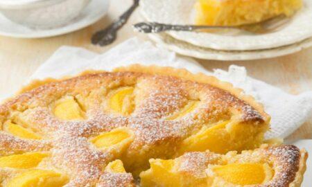 Torta della nonna, rețeta italiană pentru un desert delicios. Se prepară repede și este foarte delicată