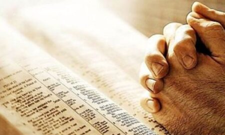 Zi de mare sărbătoare pentru credincioși. Rugăciunea făcătoare de MINUNI pe care trebuie să o rostești astăzi