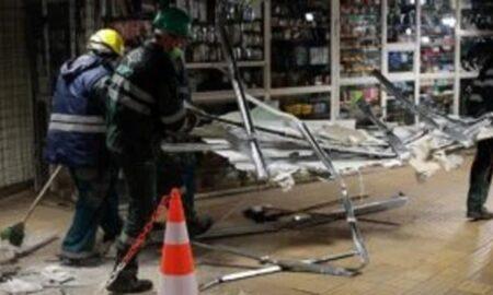Imagine uluitoare! Scandal la demolarea magazinelor de la metrou! Jandarmi au intervenit