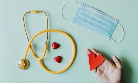 Cum trebuie să procedezi dacă faci infarct și ești singur! Sfaturile medicului, care îți pot salva viața