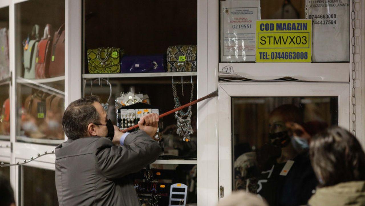 """S-a început evacuarea spațiilor comerciale din stațiile de metrou. Politician: """"Este normal ca banii să vină către stat"""""""