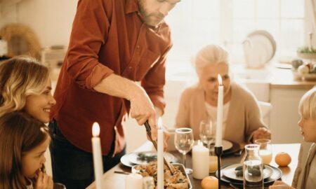 Reguli esențiale pentru masa de Paște. Nutriționist: Să nu ne concentrăm doar pe masa de prânz!