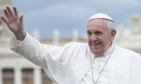 Vinerea Sfântă la Vatican, fără credincioși. Epidemia de coronavirus a golit Piața San Pietro