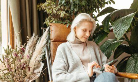 Aveți până în 30 de ani și v-a albit părul? Este un semnal de alarmă