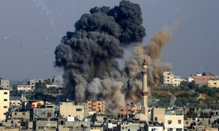 Conflicul israeliano-palestinian. Locuinţa şefului grupării Hamas, bombardată