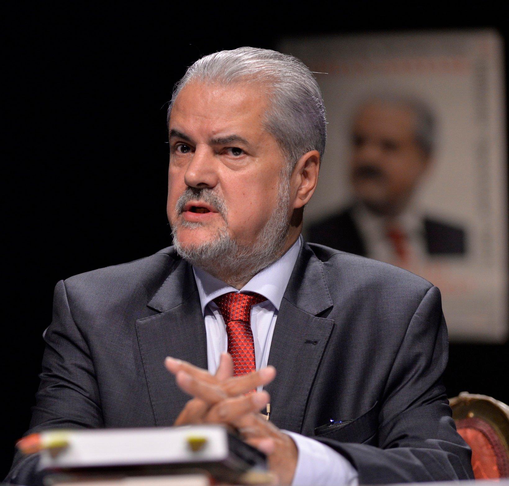 Adrian Năstase, despre situația lui Iohannis: Ori îl execută pe Cîțu, ori își pierde și bruma de credibilitate pe care o mai are