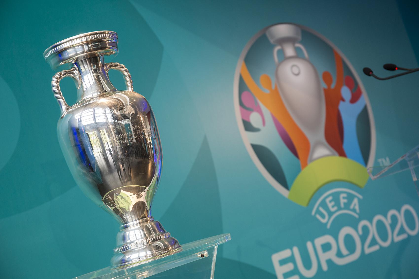Ultima sută de metri până la UEFA EURO 2020 la București! Microbiștii sunt în delir