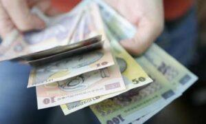 Un deputat USR-PLUS vrea amenzi pentru fondul clasei: Să fie eliminată și pedepsită!