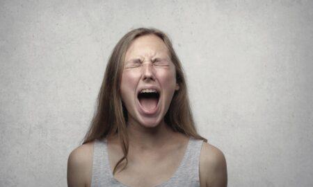 Cum să recunoști oamenii toxici. Identifică-i și ferește-te cât poți de ei!