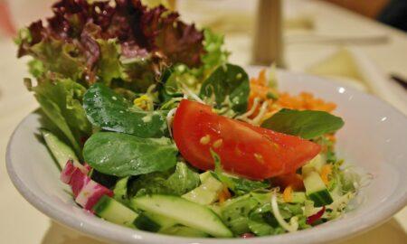 Leacuri din farfurie. Ingrediente mediteraneene pe care trebuie să le adaugi în salatele