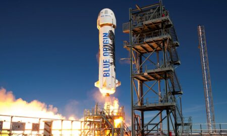 Jeff Bezos: Blue Origin a vândut deja bilete în valoare de 100 de milioane de dolari pentru viitoarele zboruri