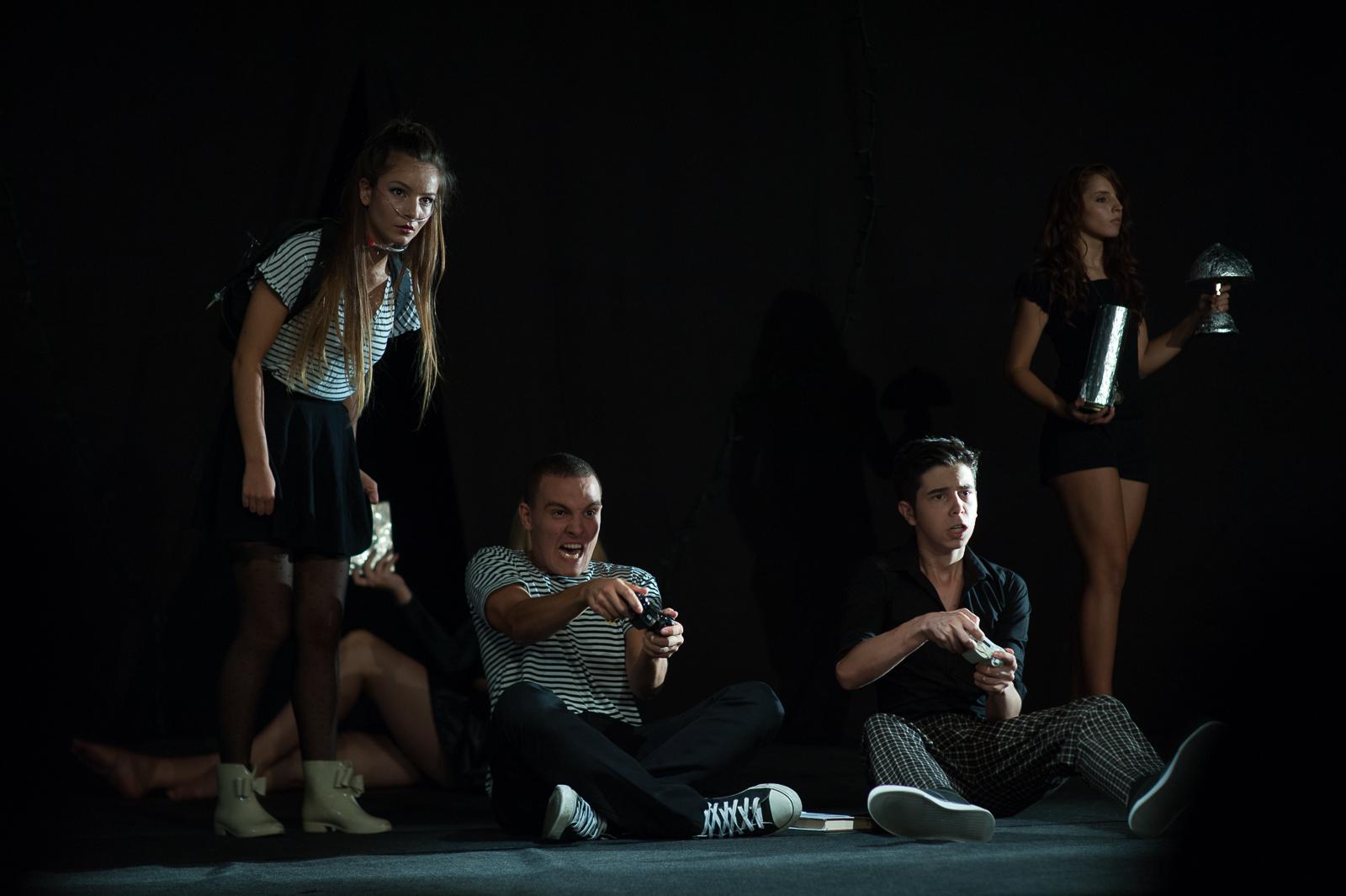 """Festivalul de Teatru, Ideo Ideis, cu tema """"IDENTITATEA"""", provocare pentru adolescenți"""