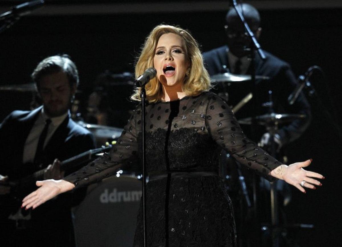 Adele, apariție rară în public. Cum arată acum și cine este bărbatul cu care a fost surprinsă