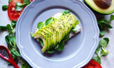 Ce se întâmplă în corpul tău dacă mănânci avocado la micul dejun!