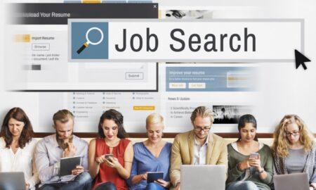 Tinerii la început de carieră, tot mai activi în căutarea primului job. Pozițiile aflate în topul preferințelor!