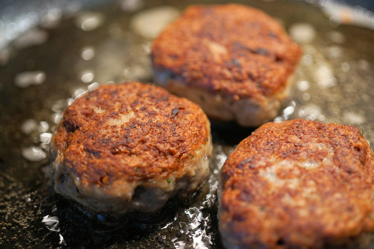 Rețetă culinară din bucătăria grecească. Chiftele suculente și irezistibile