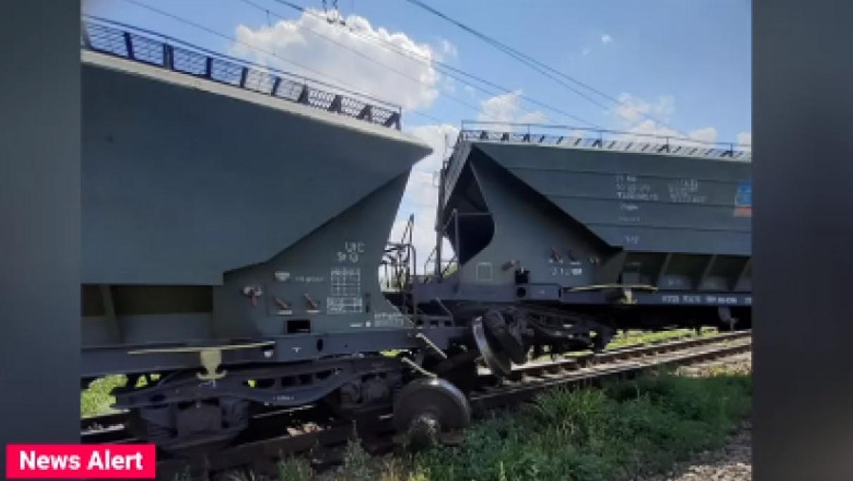 După deraierea trenului de marfă pe Magistrala Constanţa - Bucureşti, o mulțime de trenuri sunt afectate de blocajul generat
